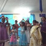 Children dancing for Mile sur mera tumhara